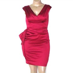🎄Maggy London 10, Red Satin Ruched Cocktail Dress
